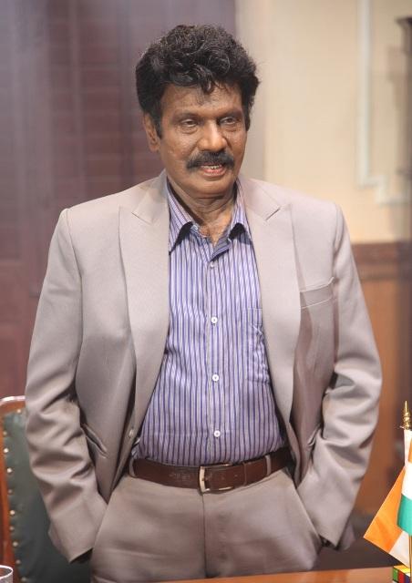 'சிக்ஸர்' படத்திற்கு நடிகர் கவுண்டமணி அனுப்பியிருக்கும் வக்கீல் நோட்டீஸ்..!