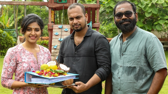 அஞ்சலி-யோகிபாபு நடிக்கும் புதிய திரைப்படம் பூஜையுடன் தொடங்கியது…!