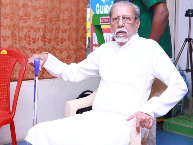 நடிகர் சாருஹாசனுக்கு வாழ்நாள் சாதனையாளர் விருது..!