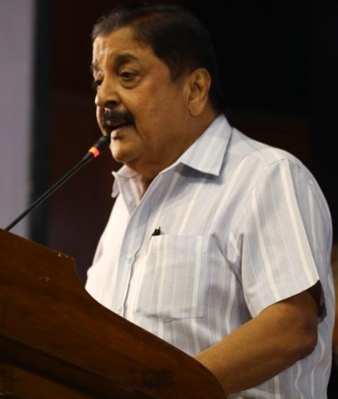 """""""முக்தா சகோதரர்கள் மிகவும் நேர்மையானவர்கள்…"""" – நடிகர் சிவக்குமார் பாராட்டு..!"""