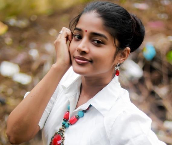 யோகி பாபுவுக்கு ஜோடியான ஷீலா ராஜ்குமார்..!