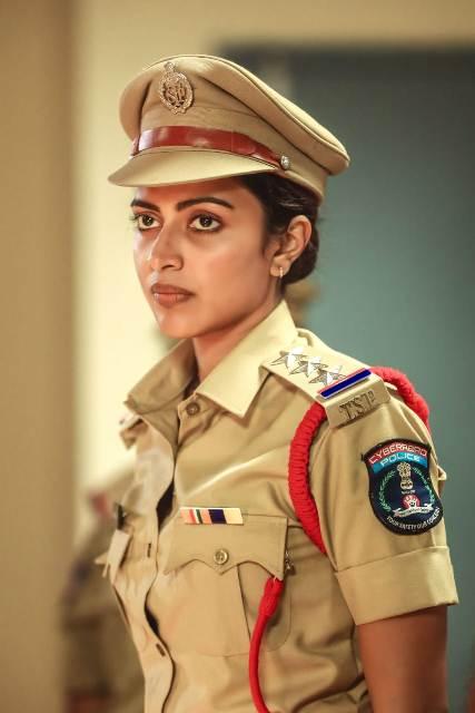 அமலா பால் வெப் சீரிஸ், திரைப்படம் என்று பிஸியோ பிஸி..!