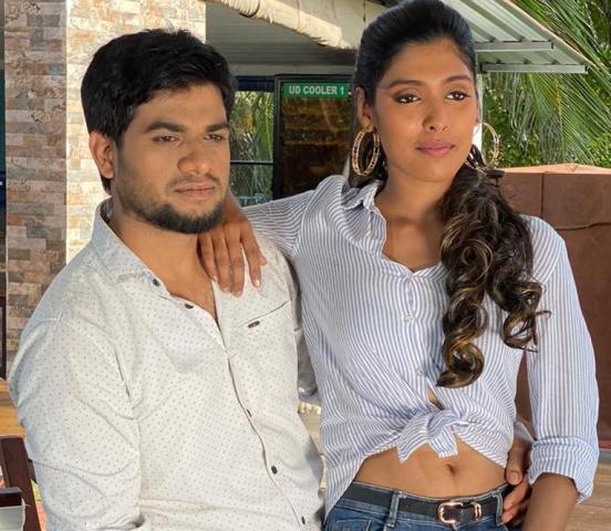 'பிகில்' நாயகி காயத்ரியின் நடிப்பில் உருவாகியிருக்கும் 'நீயும் நானும்' வீடியோ ஆல்பம்