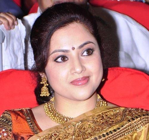 கால்ஷீட் குழப்பத்தில் நடிகை மீனா நடிக்க முடியாமல் போன பிரபல திரைப்படங்கள்..!